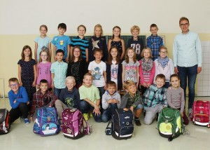 Die Klasse 3a mit ihrem Klassenlehrer Herrn Krüper