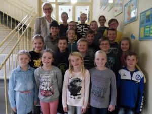 Die Klasse 3a mit ihrer Klassenlehrerin Frau Kröger