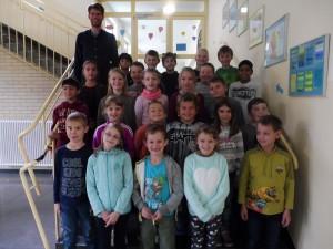 Die Klasse 3b mit ihrem Klassenlehrer Herrn Zickau
